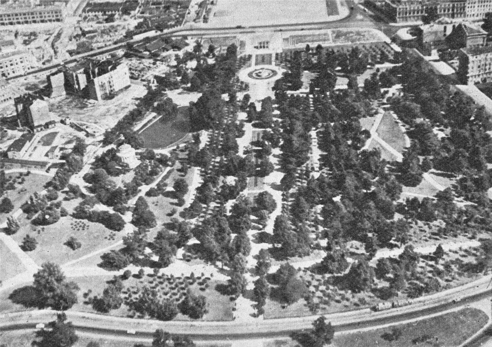 Saxon Park aerial view, photo Edmund Kupiecki. Stolica. Warszawski Tygodnik Ilustrowany 1956, no. 11 Museum of Warsaw Library, file no. T.5